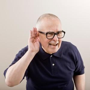 Одним из симптомом синдрома является понижение слуха