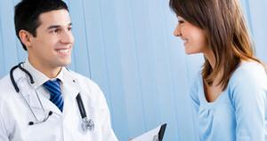 При болях в области почек необходимо обратиться за помощью к нефрологу