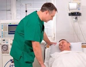 Катетеризацию мочевого пузыря должен проводить опытный врач