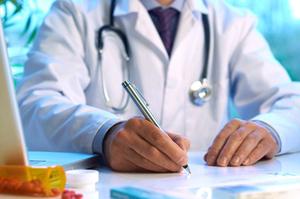 При энурезе необходима консультация у врача